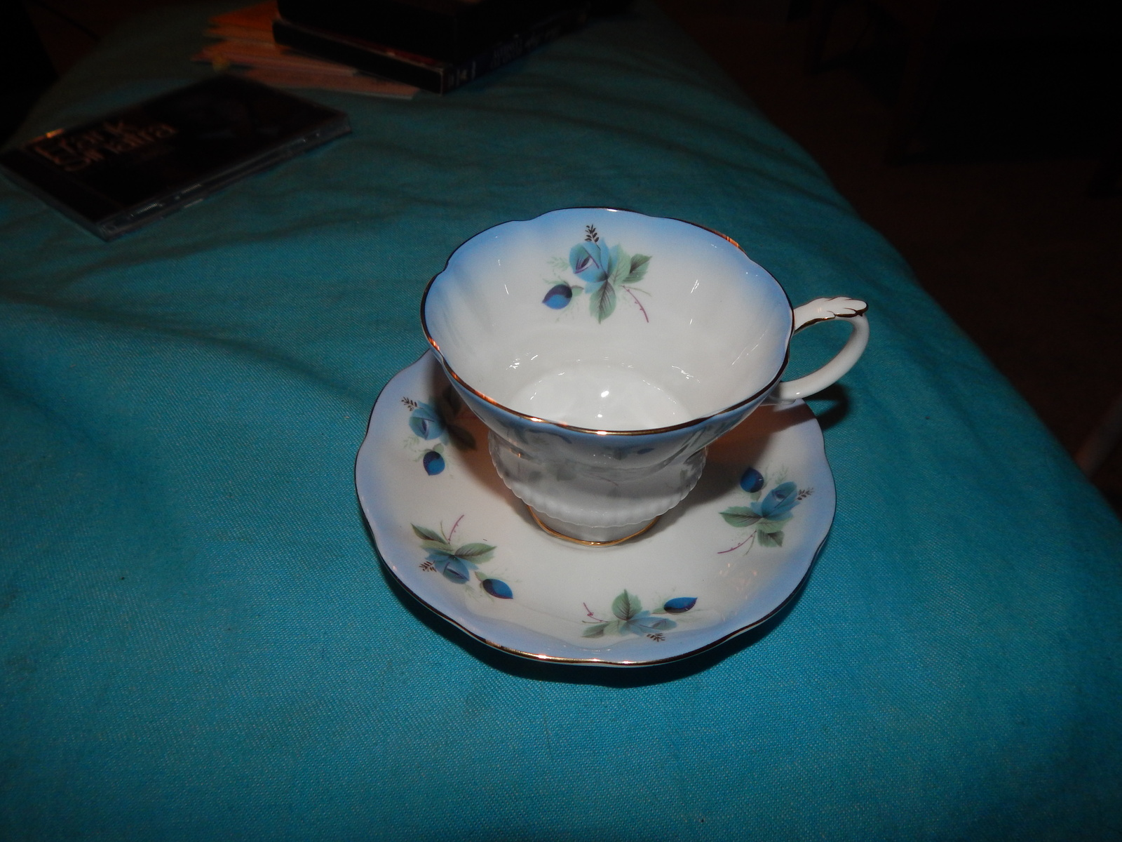 Cd cups and saucer r.a 002