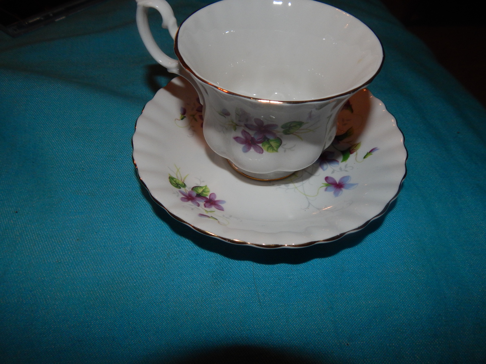 Cd cups and saucer r.a 005