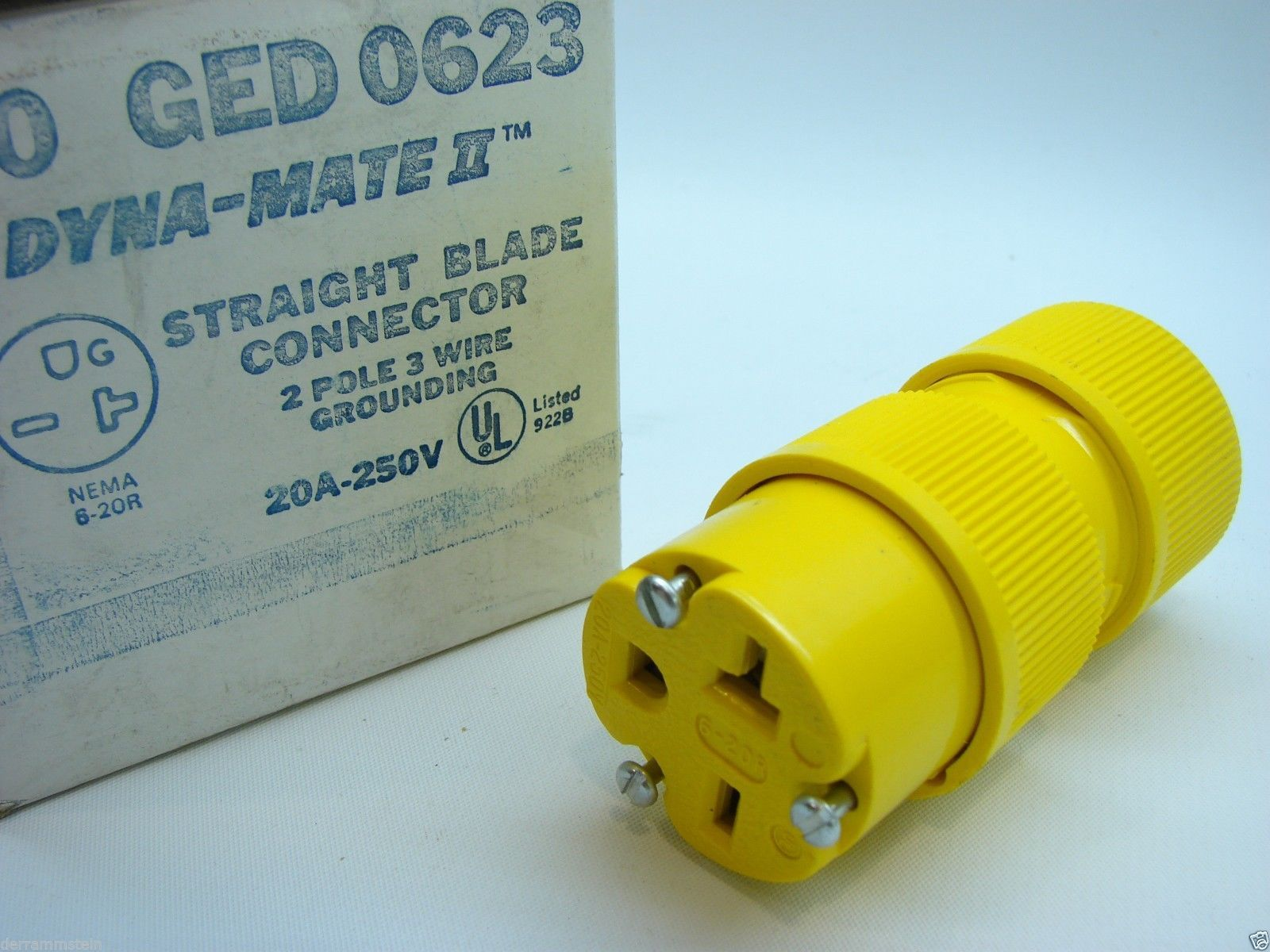 GE GED0623 Dyna-Mate II Straight Blade Connector 2P/3W NEMA 6-20R 250V 20A t1