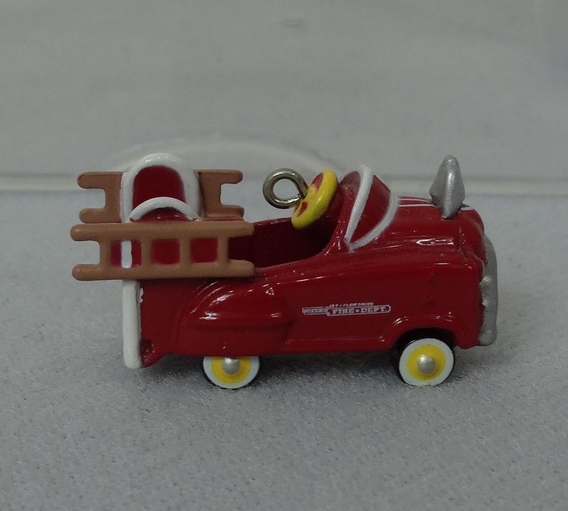 Hallmark Mini MURRAY FIRE TRUCK #2 Die Cast Collectors Ornament - 1996