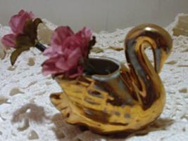 Two Vintage Miniature Gold Swan Trinket Dishs // HOLLYWOOD REGENCY Swans - $10.00