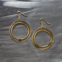 Otm - Ear Gold Detail Hoop