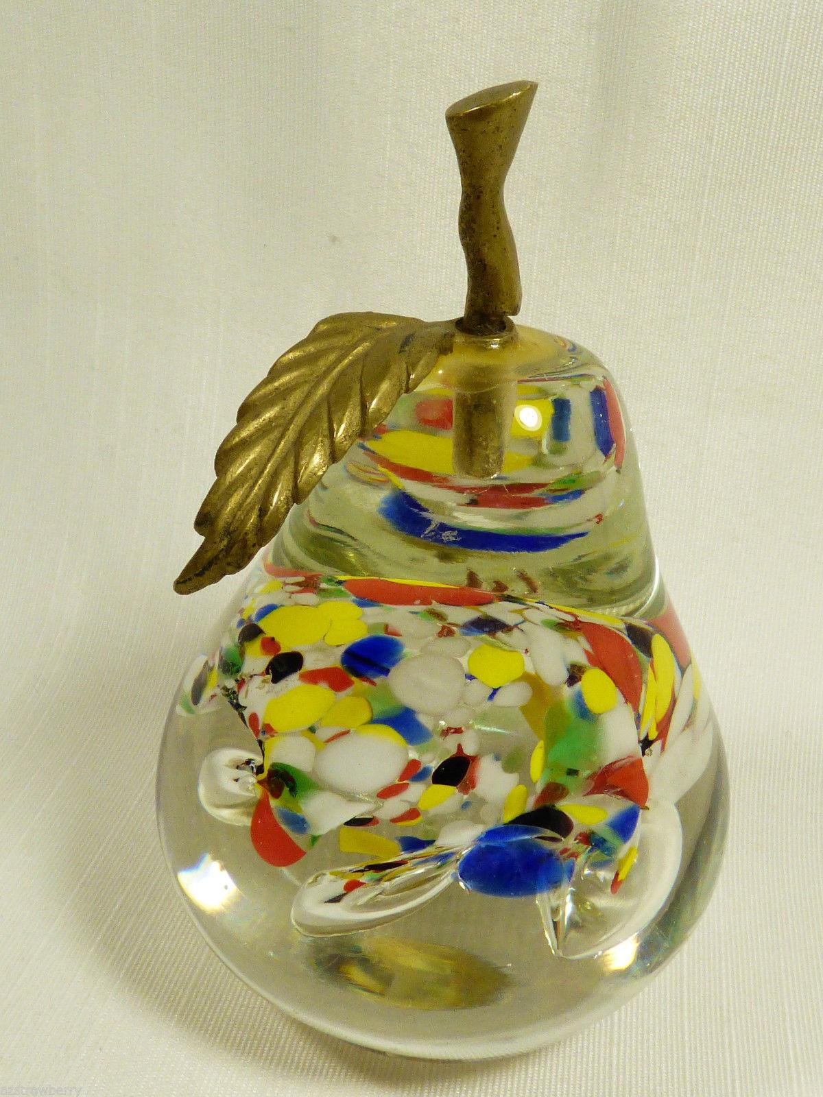 VTG ART CLEAR & SPECKLED GLASS PEAR BRASS STEM & LEAF PAPERWEIGHT FIGURINE