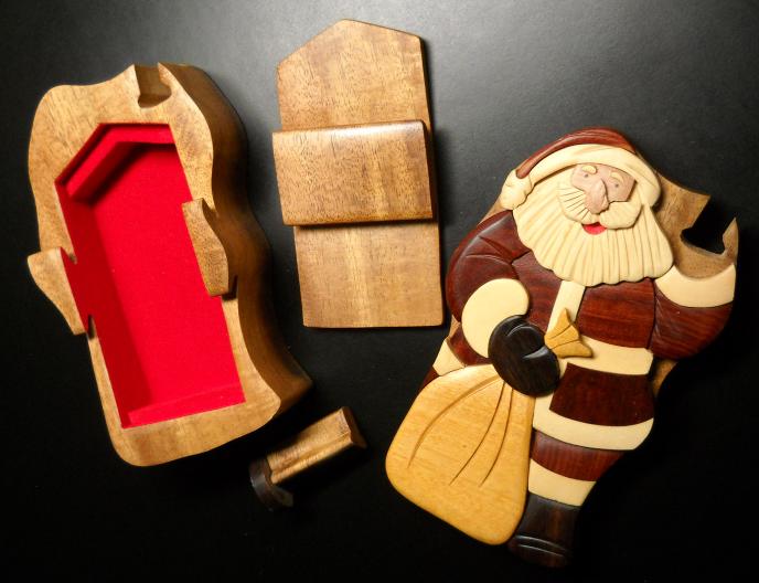 Christmas Santa Claus Trinket Puzzle Box Daniel Terrico Inlaid Wood Vietnam