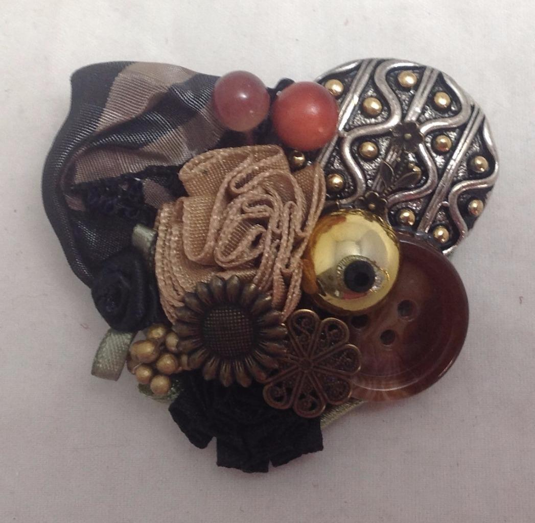 Heart Pin Design Collage Heart & Buttons Brooch Fashion Jewelry, Black, Artisan