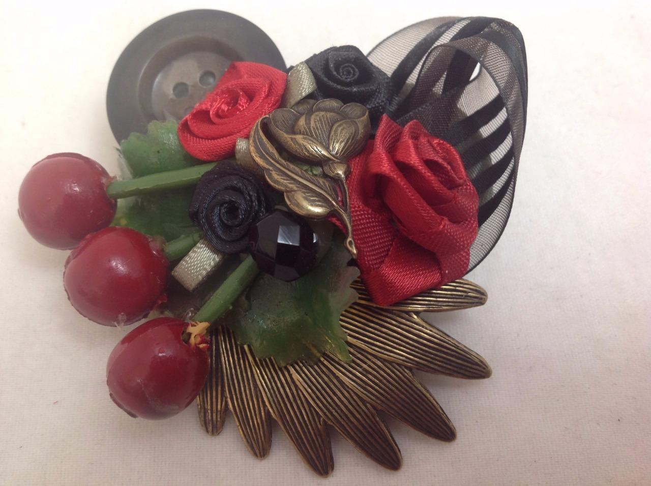 Heart Pin Design Collage Heart & Roses Brooch Fashion Jewelry, Black/Red