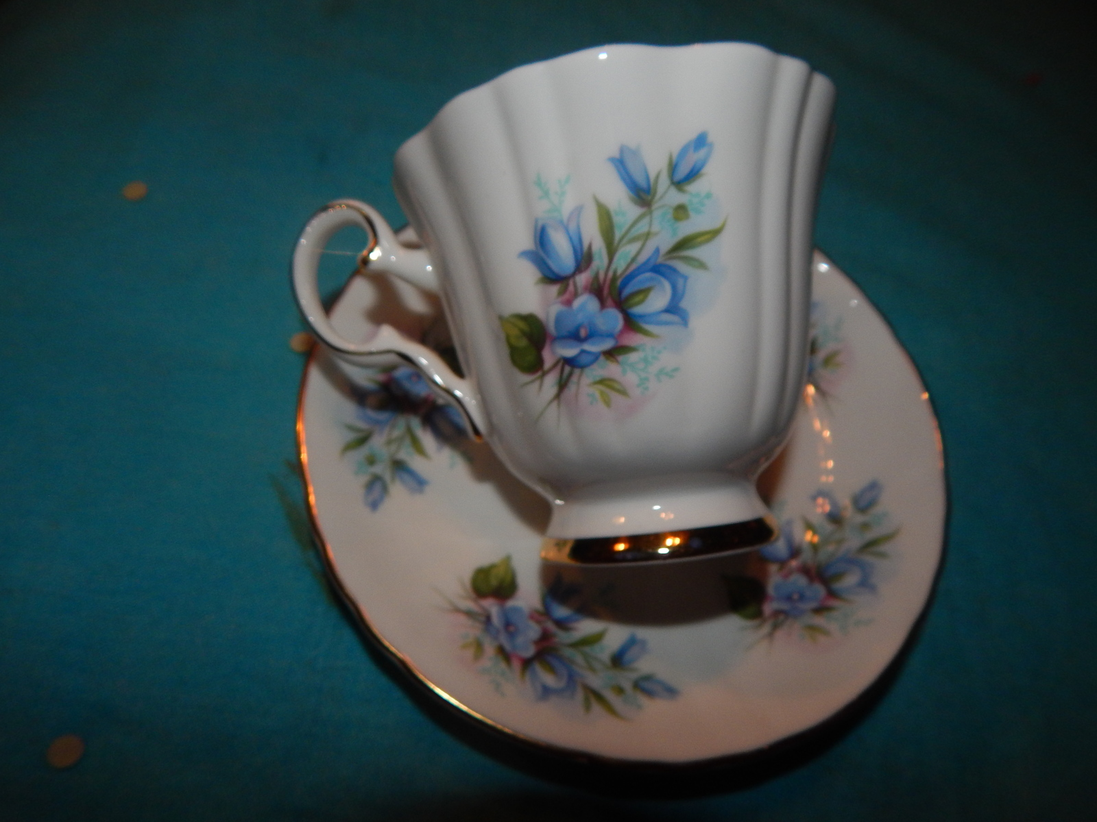 October 5th cups   saucers taz clock 005