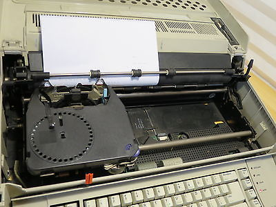 IBM Wheelwriter 5 Electric Typewriter Working, Carriage Return Issue See Details