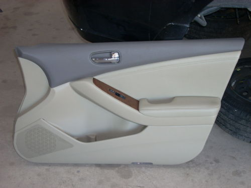 1793 nissan altima right front door trim panel 1793