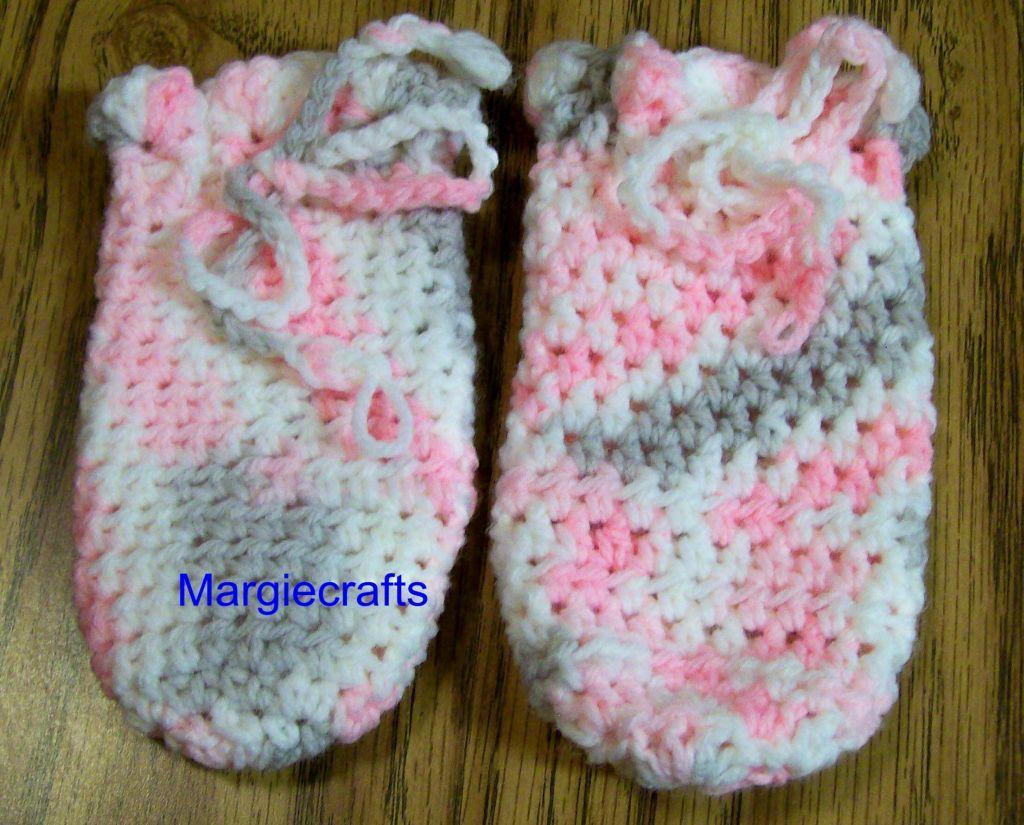 Baby Clothing, Hat, Mittens, Booties, Leg Warmers, Crochet, Handmade, 3-6 Months