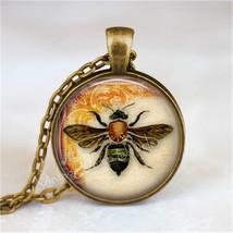 BEE Necklace, Bee Pendant, Bee Jewelry, Bee Charm, Glass Photo Art Neckl... - €11,38 EUR