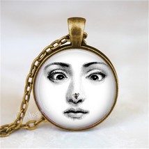 FORNASETTI FACE Necklace, Woman with Bee On Nose, Fornasetti Jewelry, Fo... - €11,18 EUR