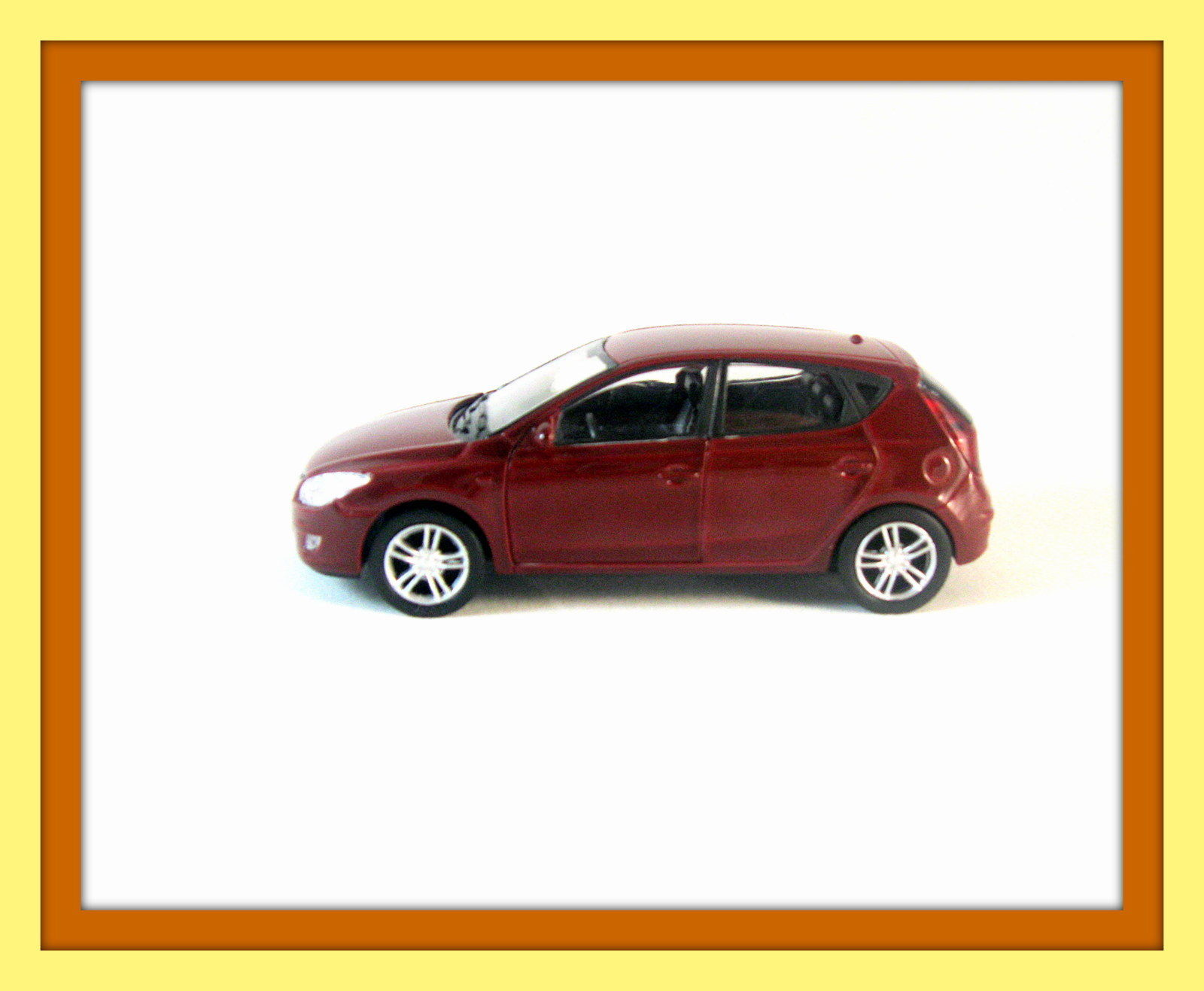 hyundai i 30 bordeaux welly 1 38 diecast and 50 similar items. Black Bedroom Furniture Sets. Home Design Ideas