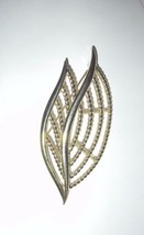 Vintage signed Trifari very large gold tone leaf brooch/pin - $14.99