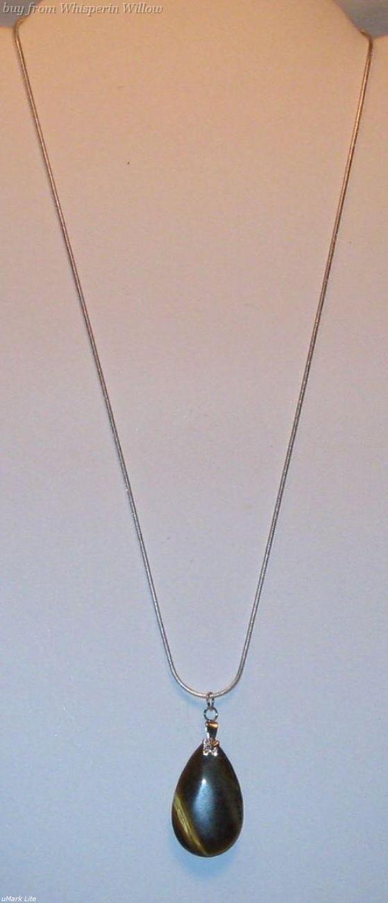 Necklaces tiger eye pendant1