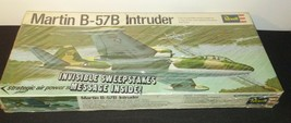 Intruder Martin B-57B SEALED Model Revell 1968 H132:100 - $25.21