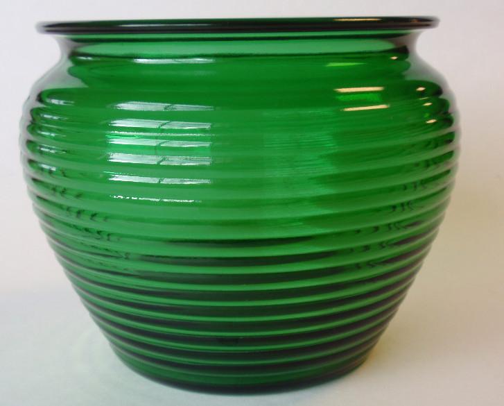 Dark green ribbed glass florist vase2