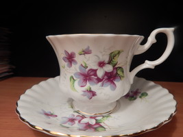 Royal Albert Violets Cup and saucer china England Free shipping #1 - $36.99
