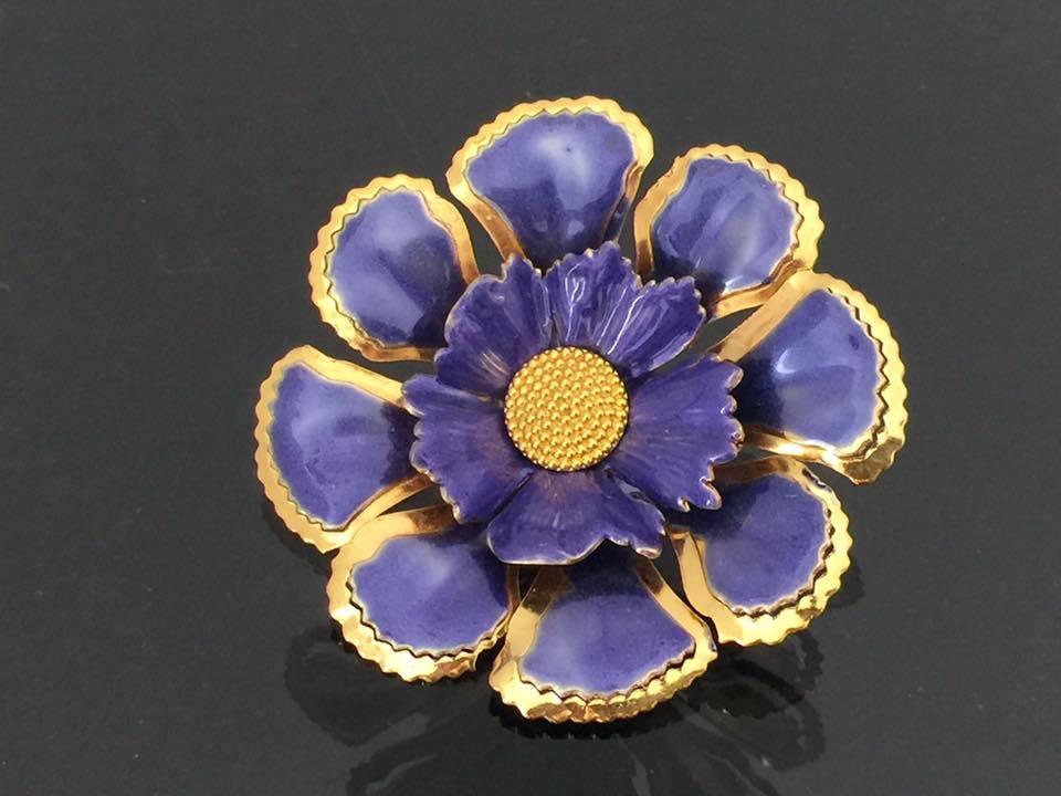 Vintage Jewelry Gold Tone Purple Enamel Pin Brooch