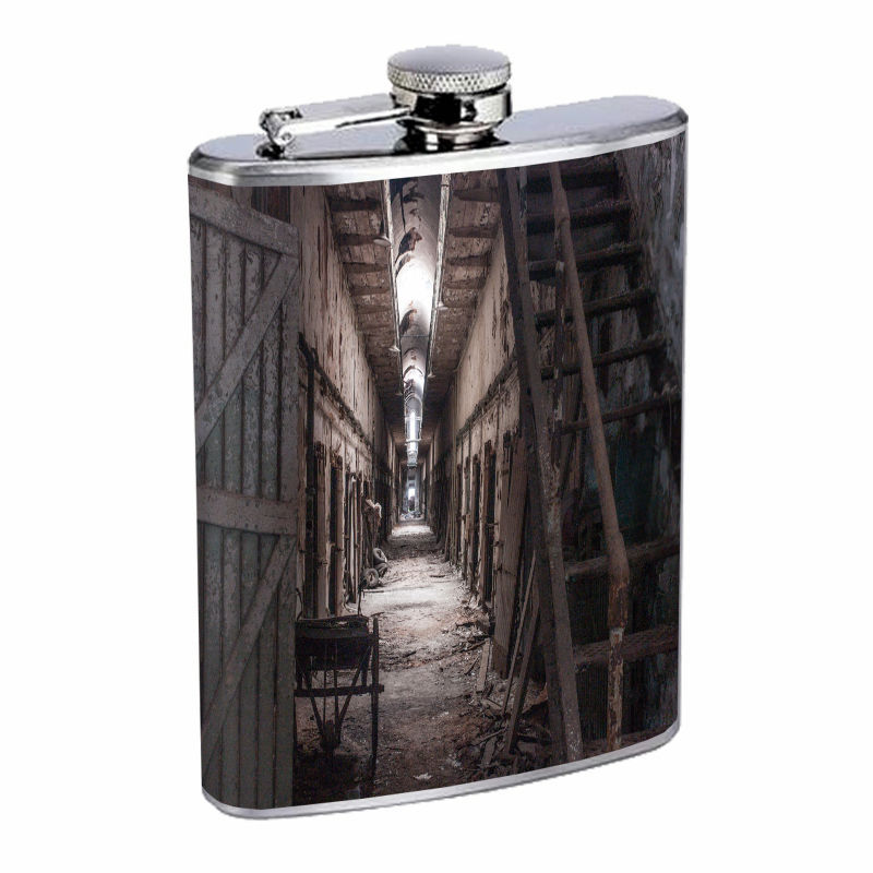 Vintage Haunted House D13 8oz Hip Flask Stainless Steel Retro Scary Halloween