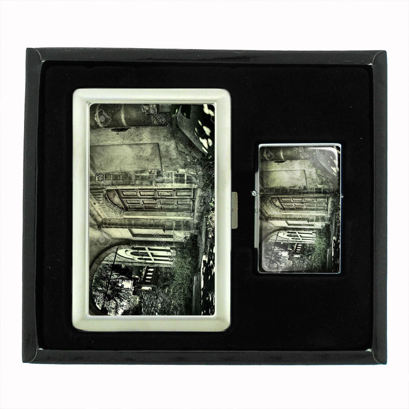 VINTAGE HAUNTED HOUSE D7 CIGARETTE CASE & LIGHTER GIFT SET SPOOKY HALLOWEEN
