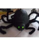 Halloween Spider Decor Sits/Hangs Mint Vintage Green Blink Eyes  - $15.83