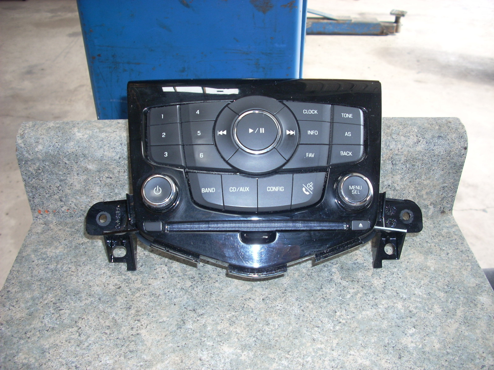 2012 CHEVROLET CRUZE RADIO CONTROLS 95914367