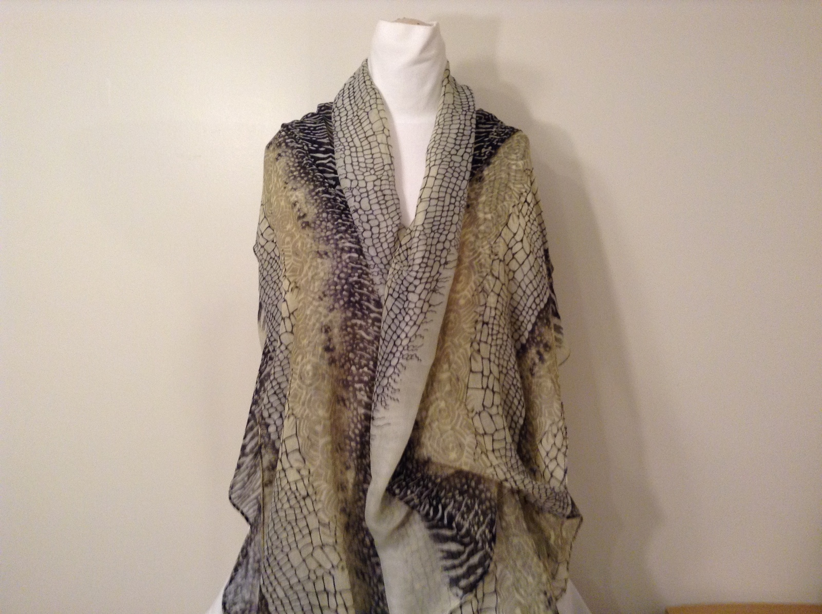 Multi Motives Print Scarf /Shawl Black Gray Light Olive Green 100% Polyester New