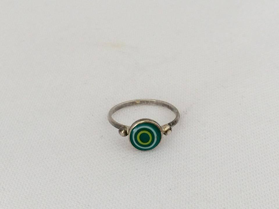 Vintage Sterling Silver Inlay Green Glass Ring Size 3