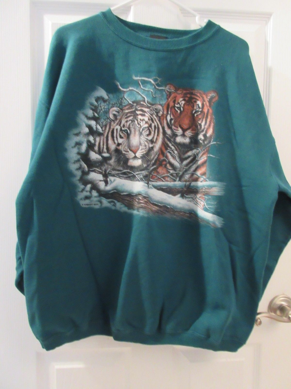 UNISEX ADULT SWEATSHIRT - GREEN WITH BROWN  TIGERS - SIZE XL - EUC