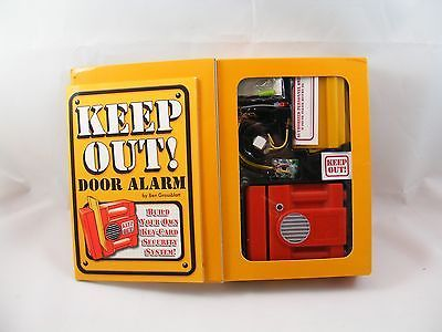 Keep Out! Door Alarm: Build Your Own Key-Card Security System! by Scholastic
