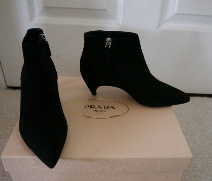 NIB 100% AUTH Prada black suede leather Comma ankle Boot $890 Sz 35