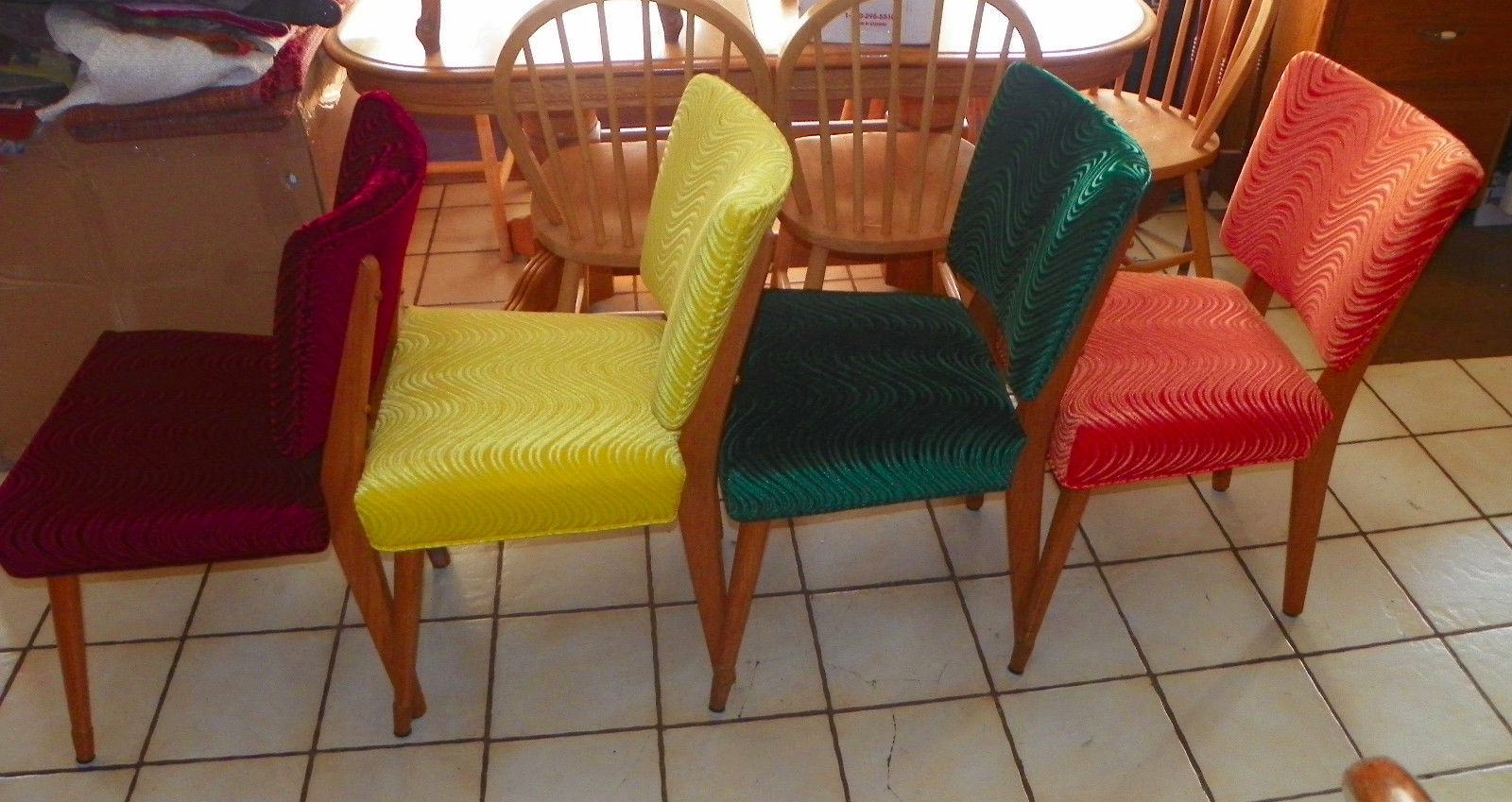 Set of 4 Mid Century Oak Dinette Chairs / Sidechairs