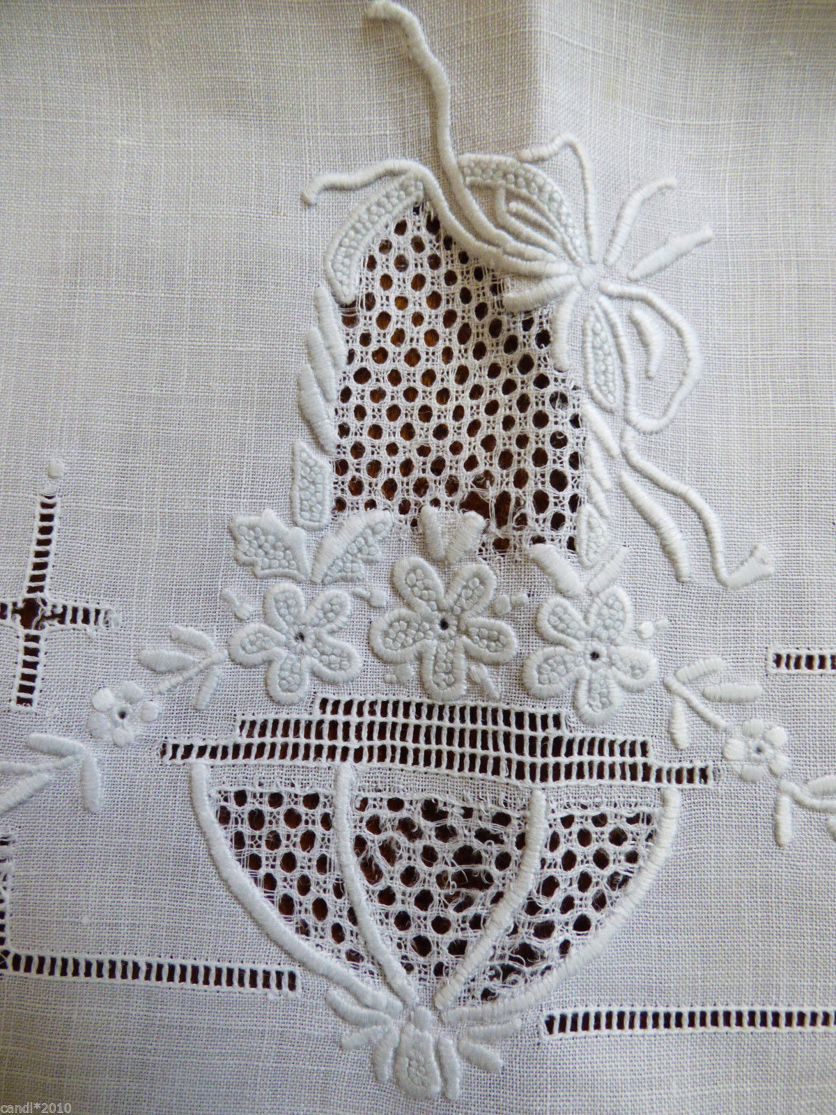 Lot of 2 VTG Madeira Embroidery Table Doily Center Mat Dresser Table Decor craft