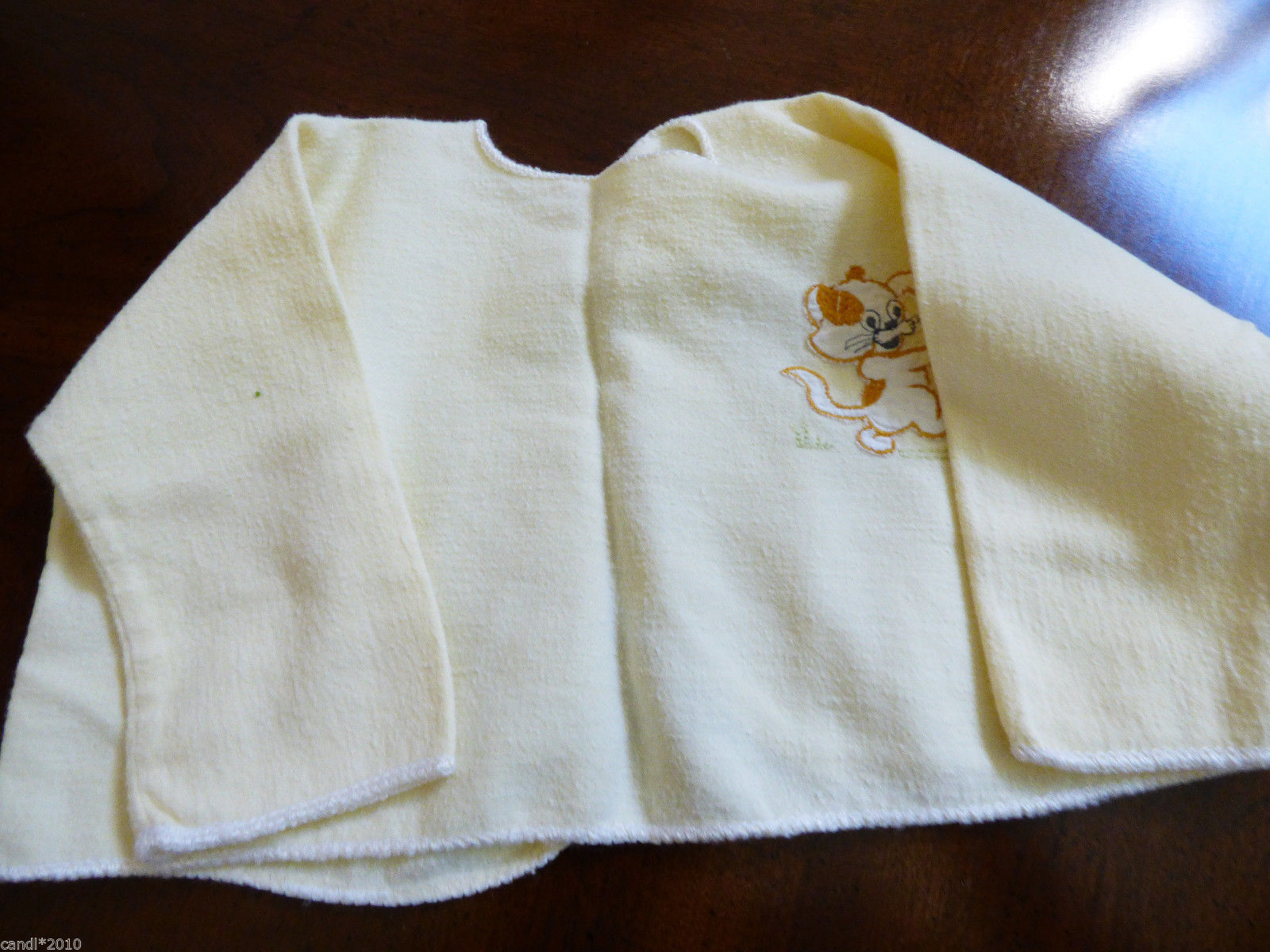 VTG 1960s Russian Newborn baby light yellow flannel cotton shirt Rasposhonka Dog
