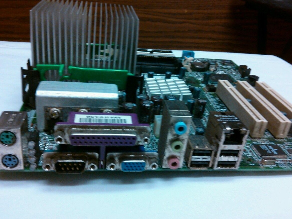 DELL DIMENSION Motherboard P/N 411726100004 Pentium 4 CPU 2.4ghz / 512 / 533