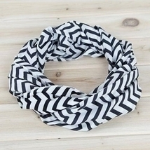 Tula Unique new chevron style dark white and black infinity scarf  - £18.93 GBP