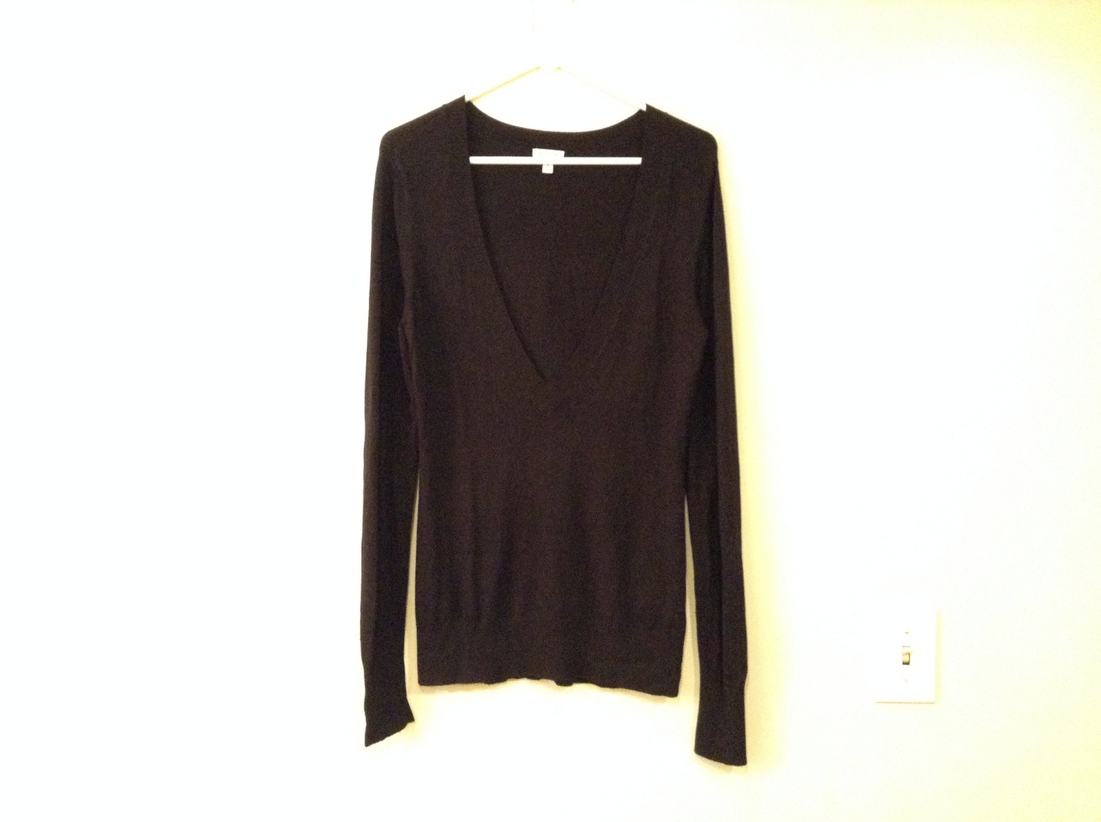 Semantiks Black Very Deep V-Neck Sweater Unisex size S Tall