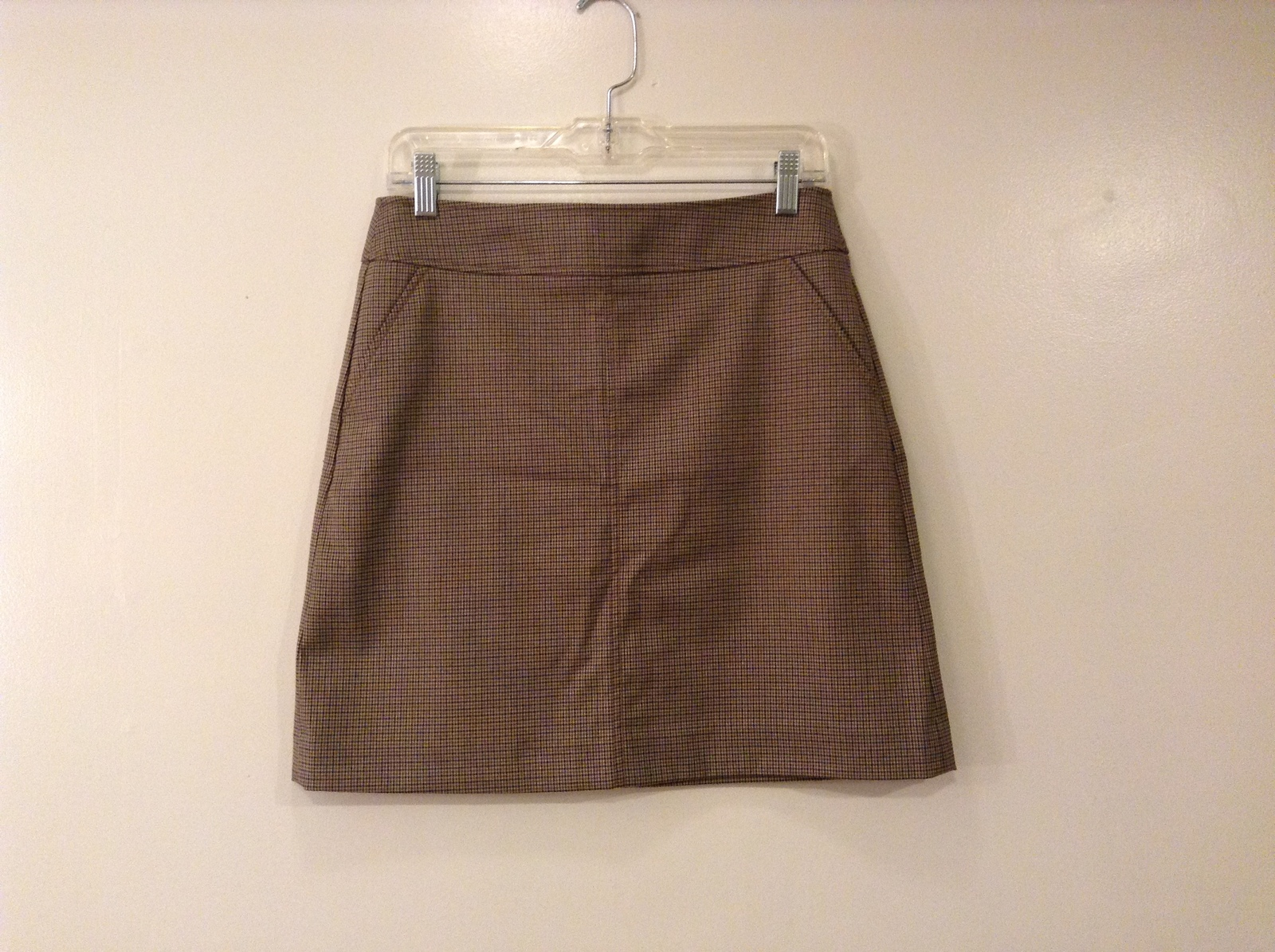 UNI QLO Short Pencil Skirt size 8 Black-Brown Houndstooth Pattern