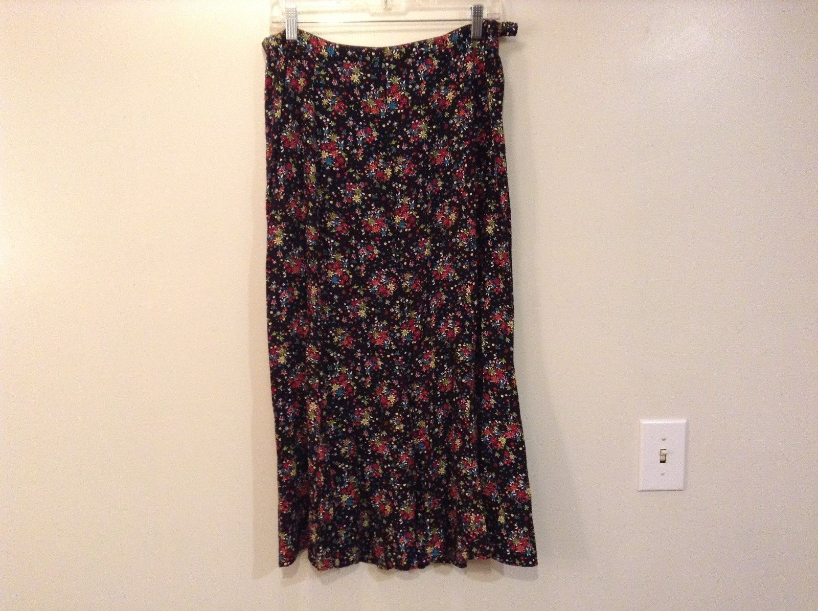 Floral Christopher and Banks Skirt Size 10 Comfort Side Zipper and Button