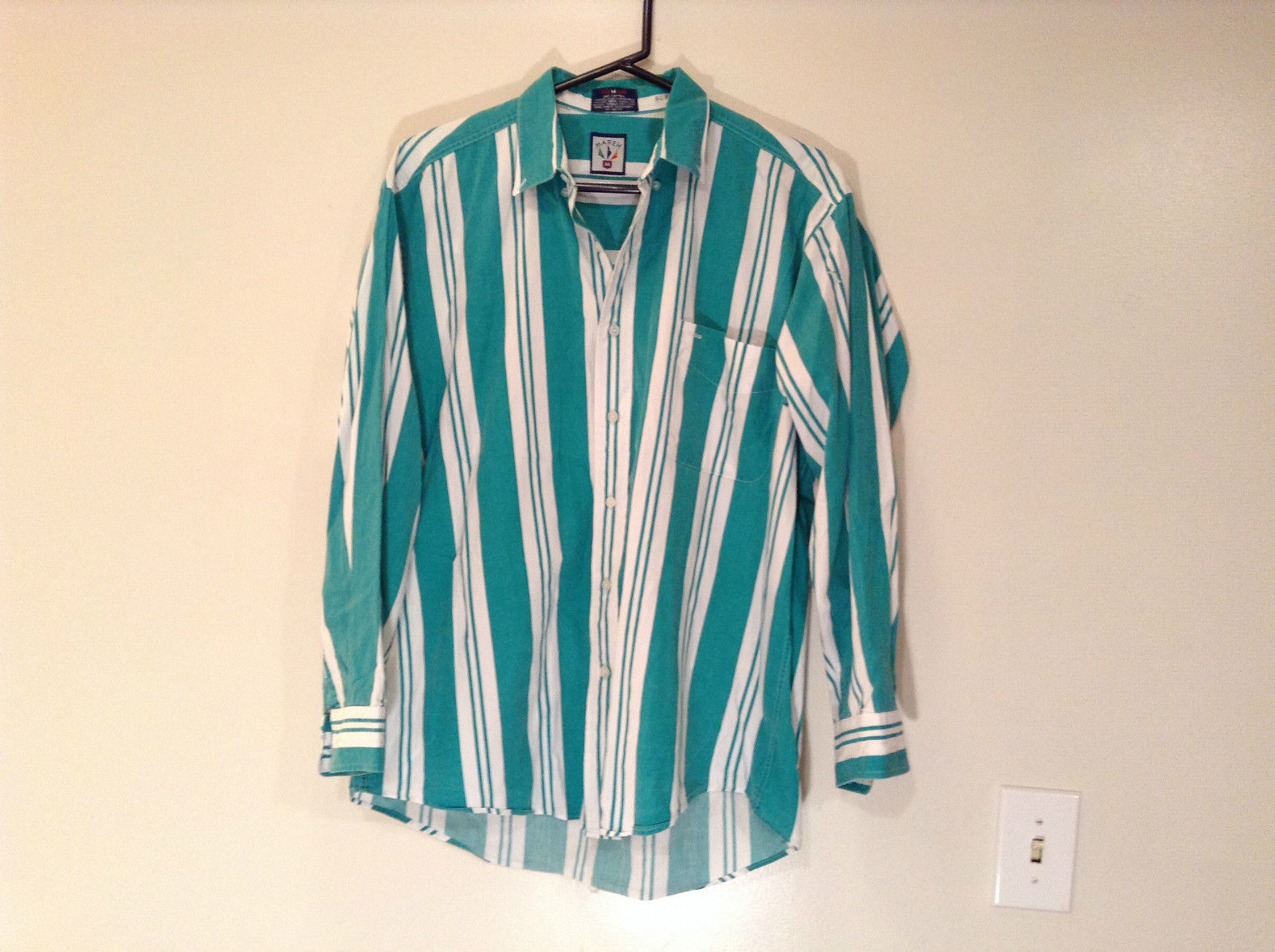 Mareh Size M Long Sleeve Green and White Collared Button Up Casual Shirt