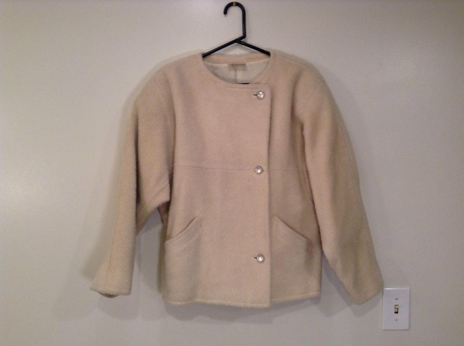 Portrait Vintage Style Lined Beige Jacket Laura Biagiotti size Large 42 Llama