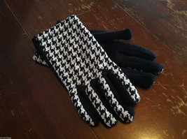 Women Houndstooth winter or early spring gloves - black and white