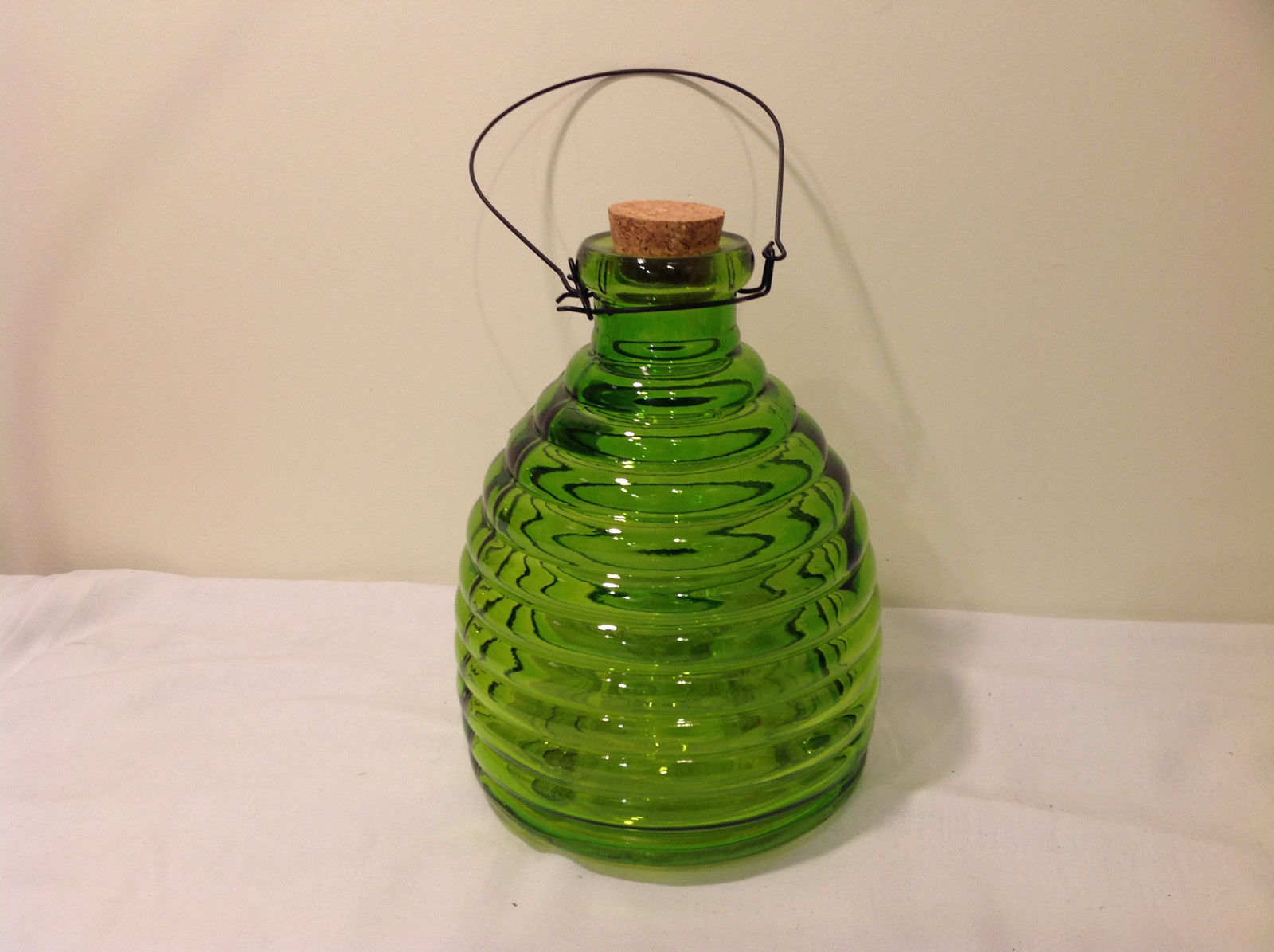 Wasp bee striped color glass trap bottle with cork plug for Colored glass bottles with corks
