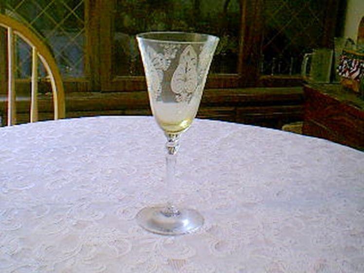 Fostoria Trojan Yellow Water Goblet - $14.85