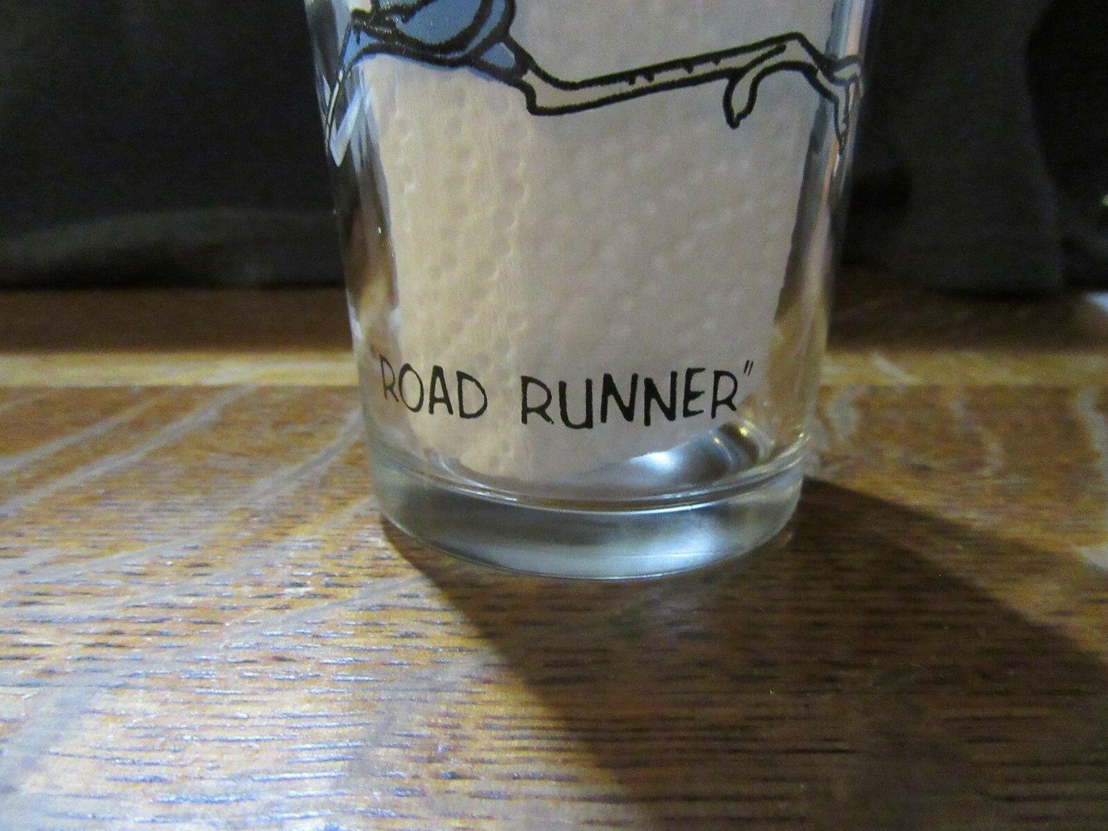"1973 Warner Bros. Pepsi Collector Series ""ROAD RUNNER"" Glass Beep Beep!! VNC"