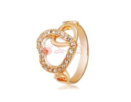 Rigant Hallow Out Heart Design Crystal Rhinestone Decorated Ring Sz 8 (G... - $6.77
