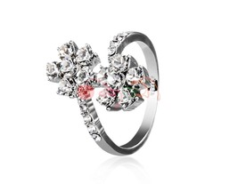 Rigant Crystal Decoration Flower Ring Sz 8 M. - $6.92