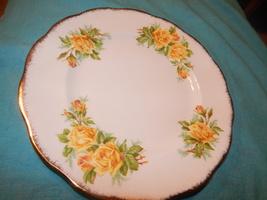 Royal Albert Yellow Tea Rose England Bone china dinner plate Free Shippi... - $28.99