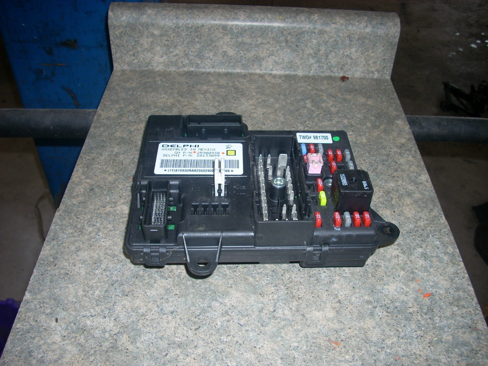 1874  fuse box with bcm 1874 id  25900930
